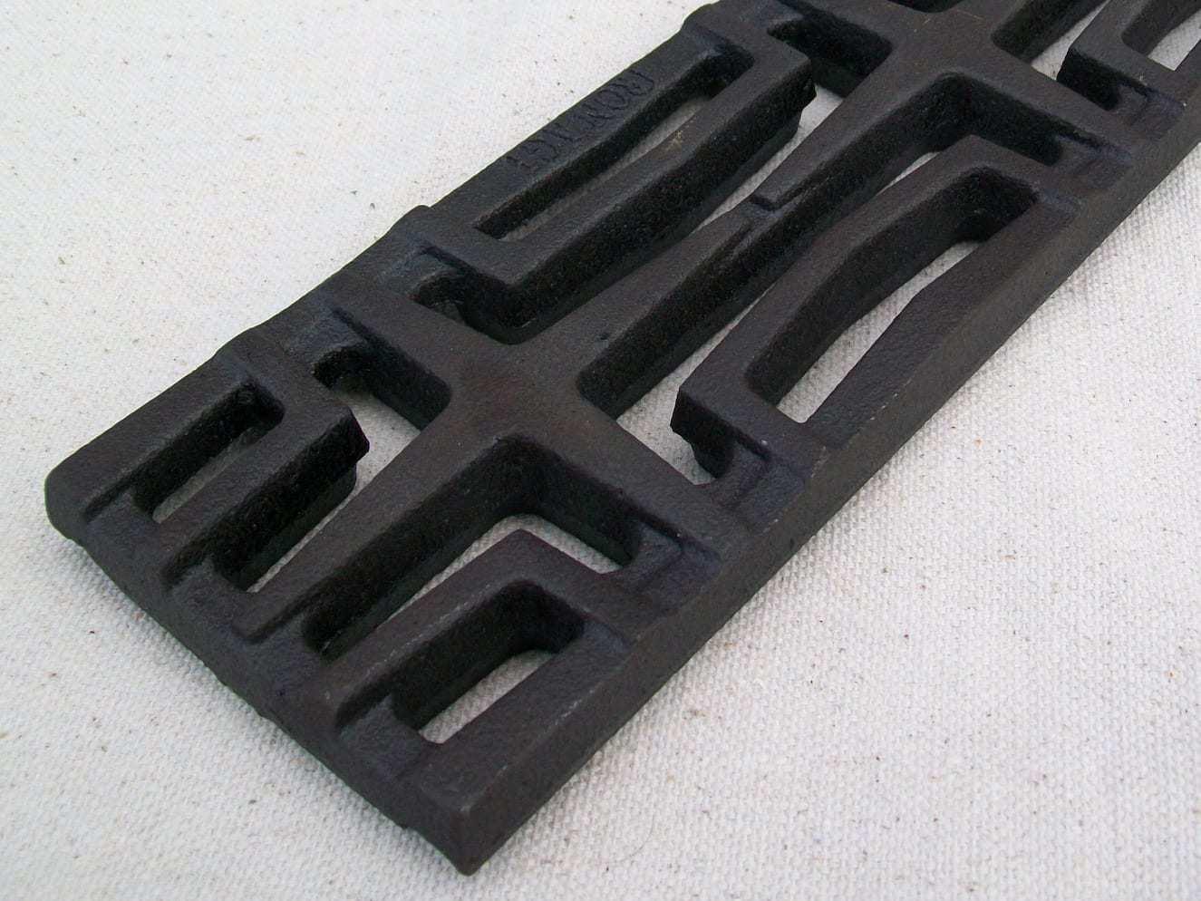 Carbochon-cast-iron-grate